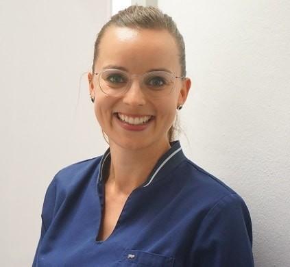 Frau Monique Jonas Prophylaxeasistentin und Dentalhygienikerin in der Praxis Dr. Thalhofer am Harras